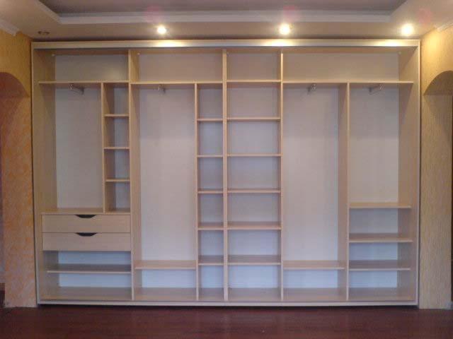 Встроенные шкафы во всю стену своими руками