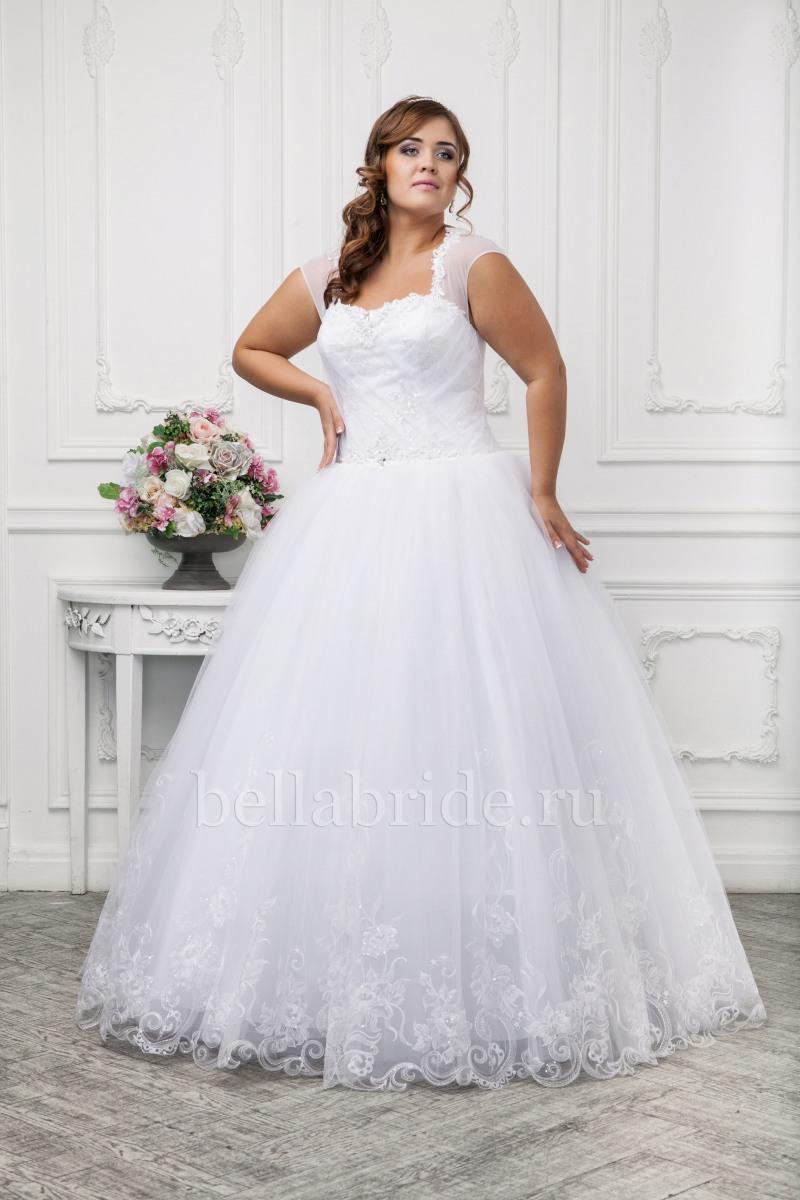 45af8a3af32 Свадебные платья для полных девушек в Москве