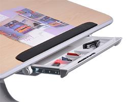 Парта комплектуется вместительным ящиком для тетрадок и канцелярских принадлежностей.