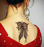 мехенди, рисунок на спине хной, рисунок на шее хной
