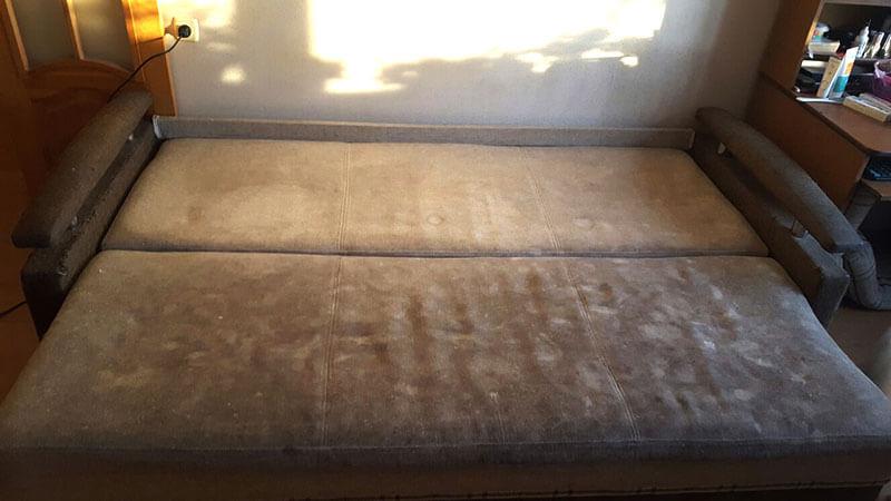 Как отстирать диван от грязи в домашних условиях 156