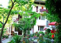 Гостевой дом Райский Уголок Алушта