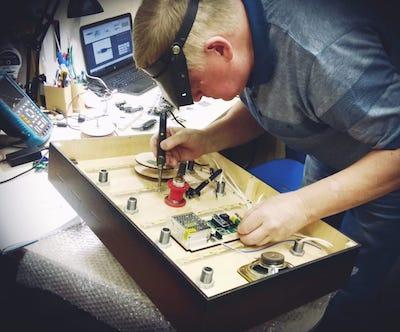 Производство интерактивных элементов, в том числе с электроникой