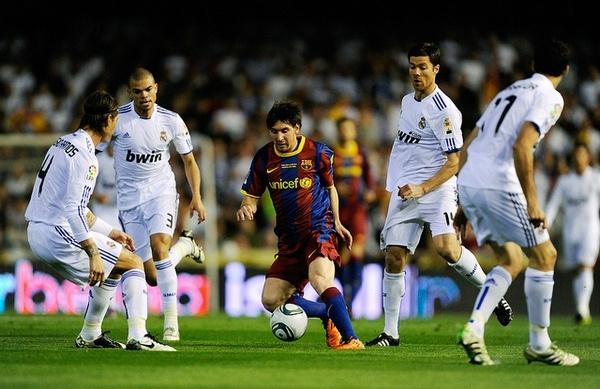 Иллюстрация к статье: Почему одни страны играют в футбол лучше, чем другие?