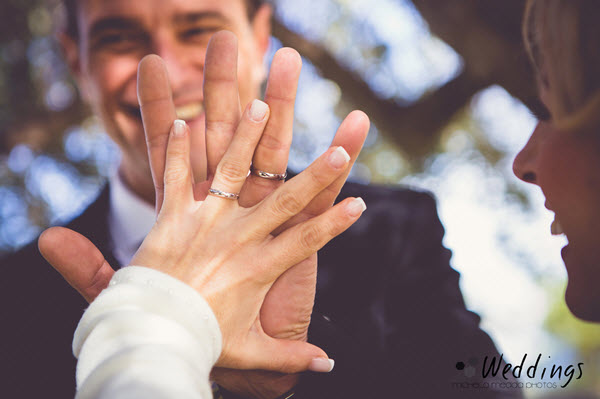 Иллюстрация к статье: Как стоимость свадьбы влияет на статистику разводов?