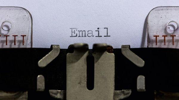 Иллюстрация к статье: Как повысить конверсию посадочной страницы с помощью email-маркетинга?