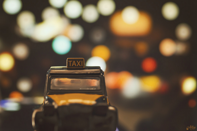 Иллюстрация к статье: Как привлечь клиентов такси?