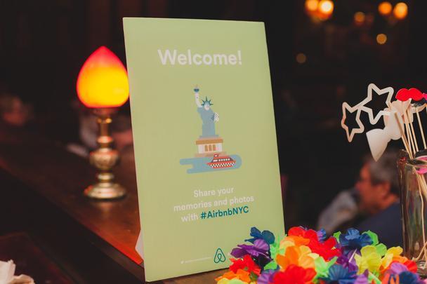 Иллюстрация к статье: Airbnb: неизвестная история известного стартапа. Часть 1 — Ранний рост