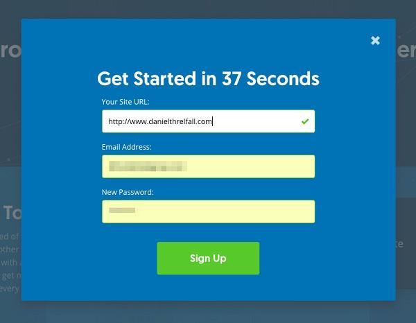 Для создания же учетной записи — другой цели — в форму включены три поля («URL вашего сайта», «Email-адрес», «Новый пароль»)