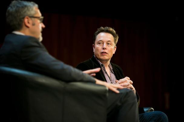 Элон Маск, CEO компании Tesla, на конференции MIT's AeroAstro Centennial Symposium в 2014 году