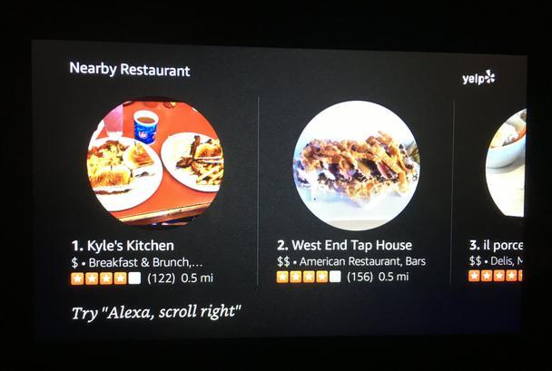 Когда возможно, Echo Show подталкивает пользователей к голосовому вводу информации, вместо прикосновения к экрану, предлагая вербальные команды, вроде «Попробуйте сказать: Алекса, пролистни вправо»
