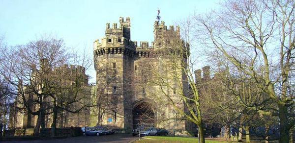Рисунок 8: Ланкастерский замок (Lancaster castle) является одной из самых посещаемых локаций, представленных в туристической системе GUIDE.