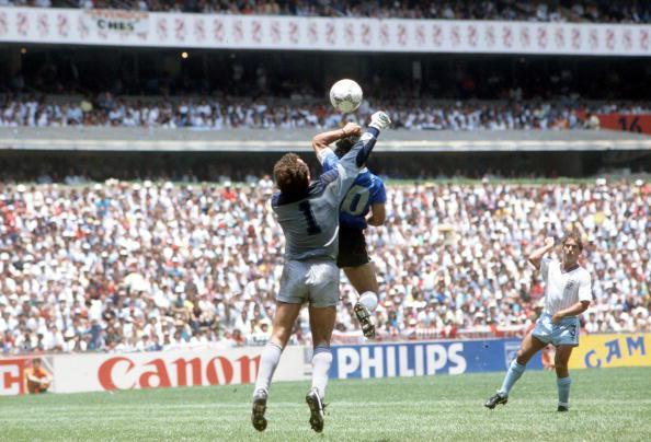 Пользователь: Марадона. Событие: забитый гол (с помощью руки!). Сессия: 90-минутный период матча Англия — Аргентина, четвертьфинала Чемпионата мира по футболу 1986 года.
