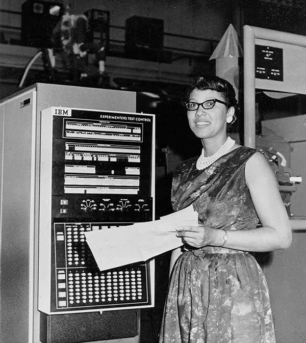 «женщина-компьютер»: Мельба Рой Мутон (Melba Roy Mouton) возглавляла группу математиков НАСА, которые были известны как «человеческие компьютеры»