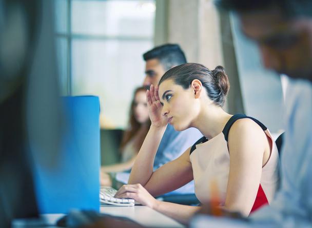 Вот как могут выглядеть люди, переживающие стресс на работе
