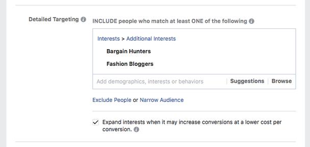 Добавьте также две лучшие из выбранных по интересам аудиторий — любители скидок и модные блогеры.