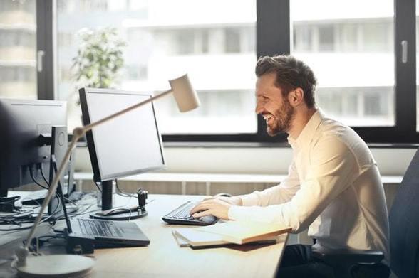 Иллюстрация к статье: 15 забавных идей для автоматического email (при отсутствии на рабочем месте)