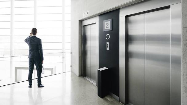 Иллюстрация к статье: 6 приемов, которые помогут вам написать «презентацию для лифта»
