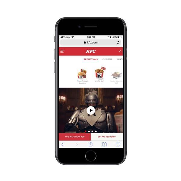KFC делится своими остроумными видеообъявлениями на главной странице сайта