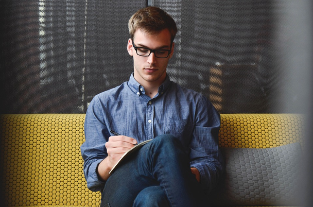 Иллюстрация к статье: Нетворкинг для интровертов: 9 советов от настоящих профи