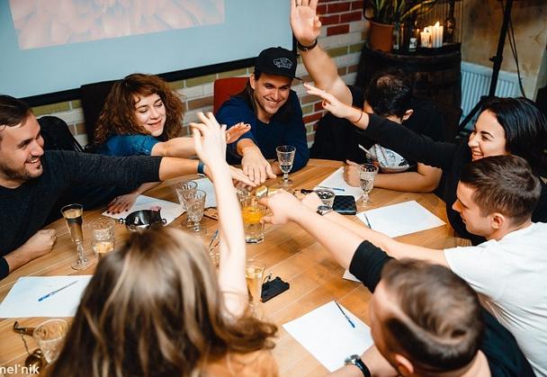 Иллюстрация к статье: Игровой тимбилдинг: как сплотить команду без неловкости